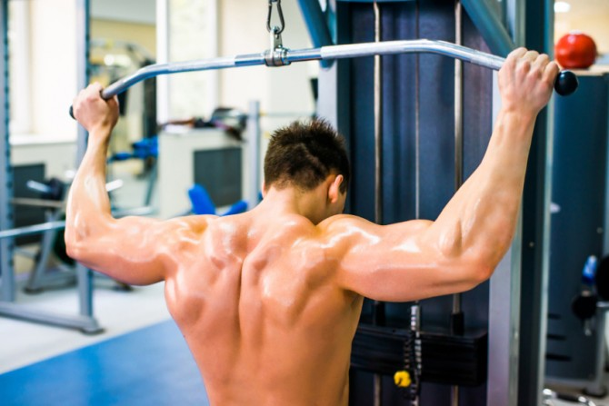 Behind the Neck Lat Pull Downs